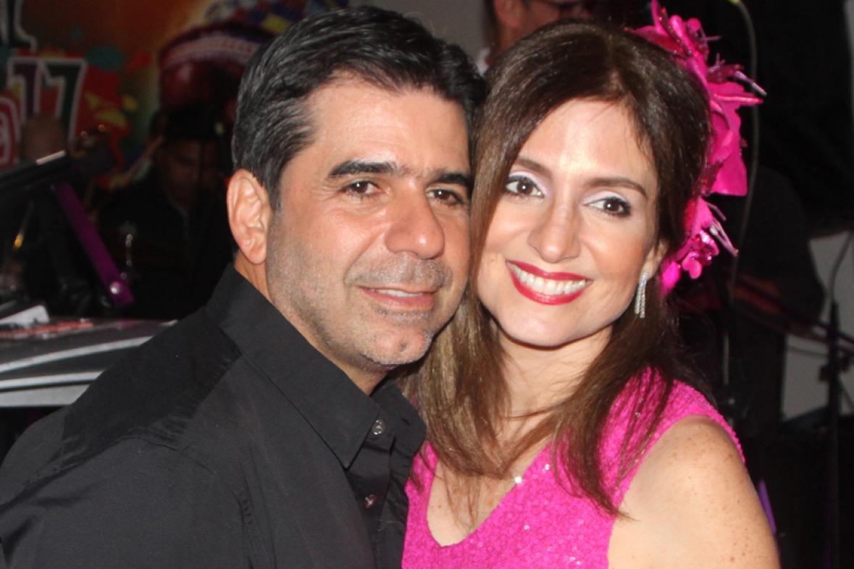 Esta es la historia del amor que nació entre Alejandro Char y Katia Nule, pareja que aún después de muchos años, siguen igual de enamorados como desde el día Alex Char se le declaró a esa bella jovencita que allá por aquellos tiempos era la Reina del Carnaval de Barranquilla