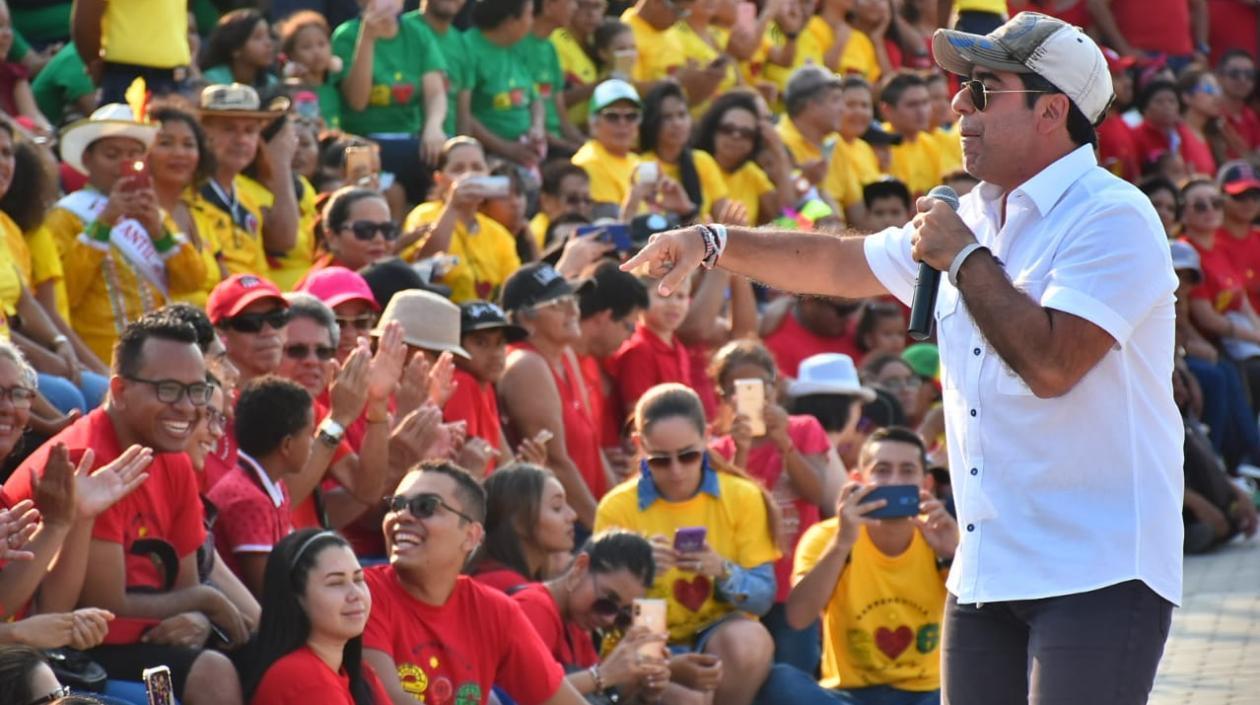 Barranquilla hoy en día es sin duda alguna una de las ciudades principales que sobre sale a nivel nacional por su empuje y modelo de desarrollo, el progreso se puede ver a lo largo y ancho de toda la ciudad, el día de hoy La Puerta de Oro de Colombia cumplió sus primeros 206 años de historia, una gran celebración se llevó a cabo en el Gran Malecón del Río Magdalena, en donde se le hizo honor en su cumpleaños.