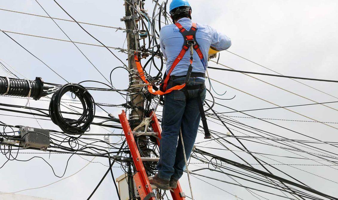Por medio de un comunicado de prensa la empresa Electricaribe informa a la ciudadanía barranquillera y en general, que el día de hoy y mañana miércoles 15 no prestará el servicio de energía eléctrica en algunos barrios de Barranquilla debido a que estarán realizando unos mantenimientos preventivos en la subestación 20 de Julio