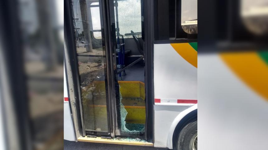 Nuevos hechos de vandalismo se registraron el pasado martes en horas de la mañana en el municipio de Soledad en contra de Transmetro.
