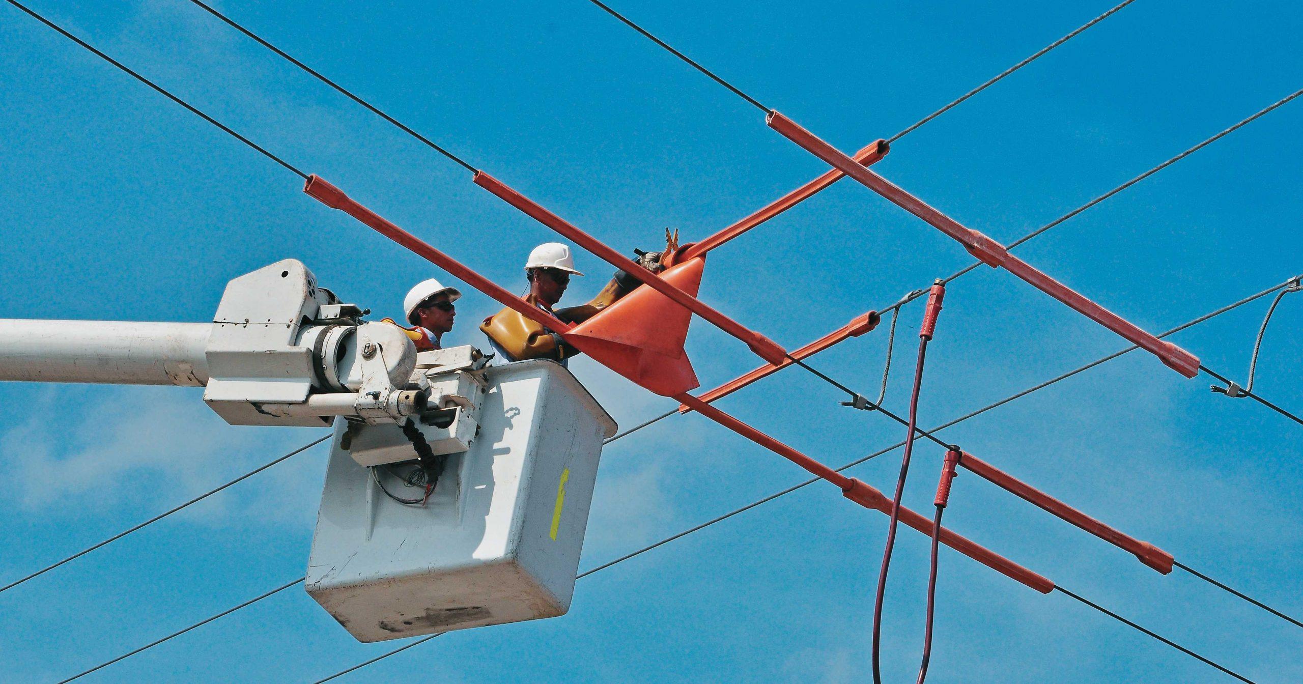 Nuevamente varios barrios de la ciudad estarán sin luz mañana domingo y el día lunes. La empresa Electricaribe dice que se estarán instalando unas torres de alta tensión para el mejoramiento del servicio.