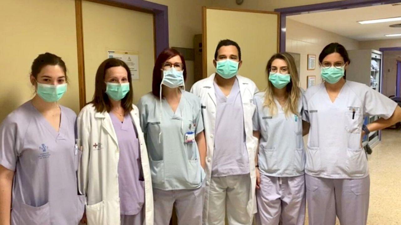 El ministro de Salud de Colombia anuncia al país los dos primeros casos confirmados de coronavirus en la ciudad de Barranquilla, por medio del perfil oficial de Twitter, el ministerio dio a conocer 8 nuevos casos en el país, en ciudades como: Bogotá, Cali, Cartagena, Bucaramanga y Barranquilla