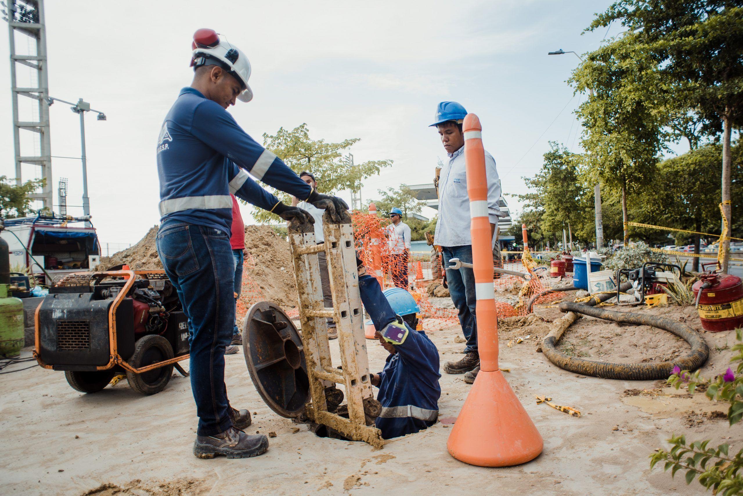 Este martes 8 de septiembre Triple A reparará fuga en la carrera 8 con calle 12 en Barranquilla Triple A informa que atenderá una fuga en una tubería de gran diámetro de 42 pulgadas, ubicada en la carrera 8 con calle 12.