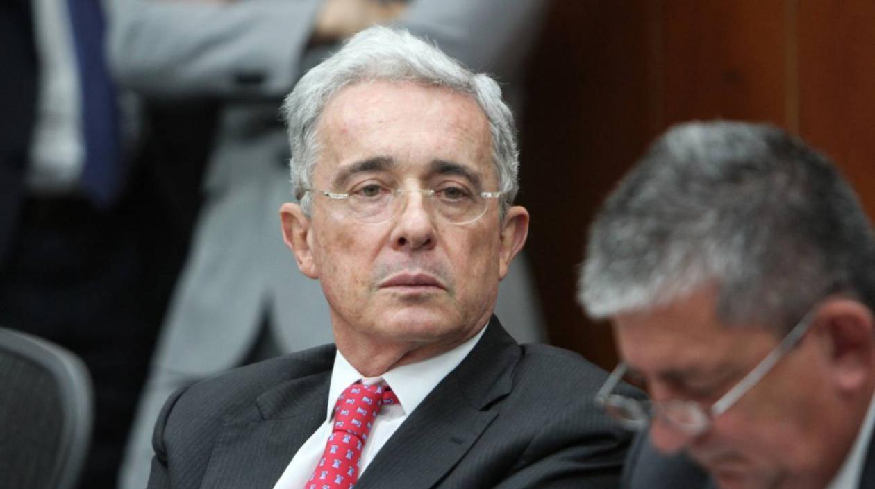 Una jueza de Bogotá ordenó este sábado la libertad del expresidente colombianoÁlvaro Uribe, en detención domiciliaria desde el pasado 4 de agosto por un caso de presunto fraude procesal y soborno a testigos