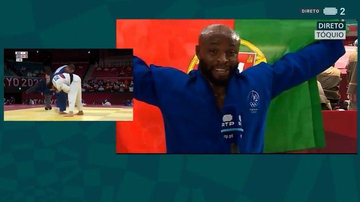 Medallista Olímpico le dedico medalla a Puma y Adidas por no creer en él