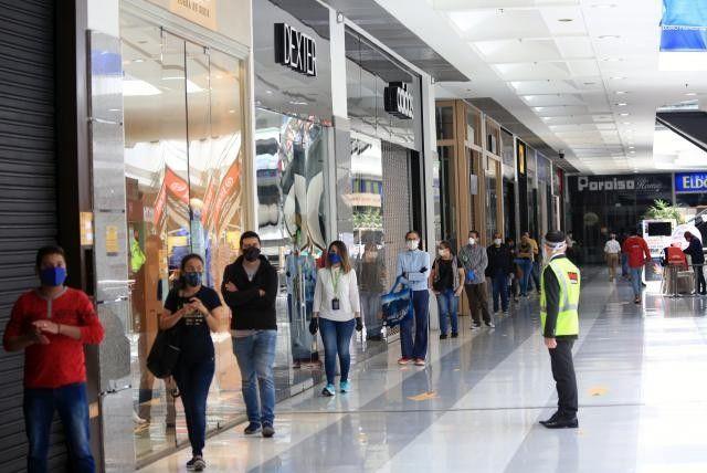 """Cómo es de costumbre muchas empresas y/o negocios en Barranquilla empiezan a sacar vacantes a penas pisa el primer """"BRE"""". Aquí le ayudamos a postularse."""