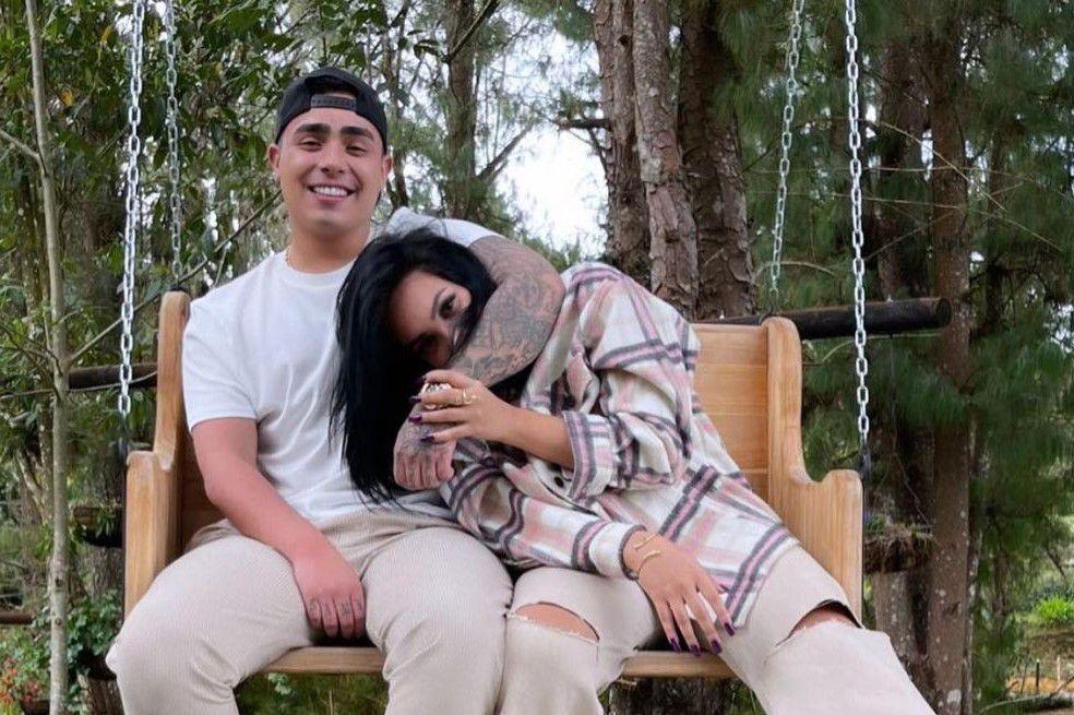 Andrea Valdiri y Felipe Saruma avivan el fuego de su relación: la pareja se fue a gozar el día del amor y la amistad con anillo a bordo.